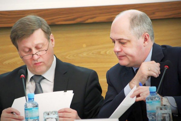 Мэр Новосибирска призвал коммунистов сражаться запост губернатора